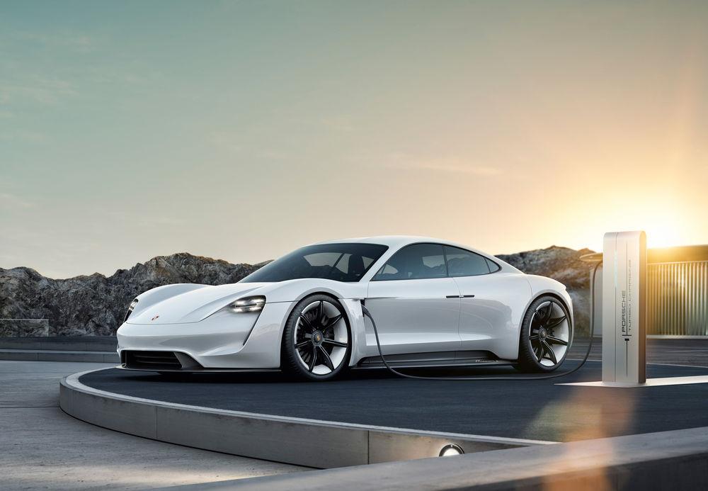 포르쉐 EV 타이칸, 고성능은 터보'?
